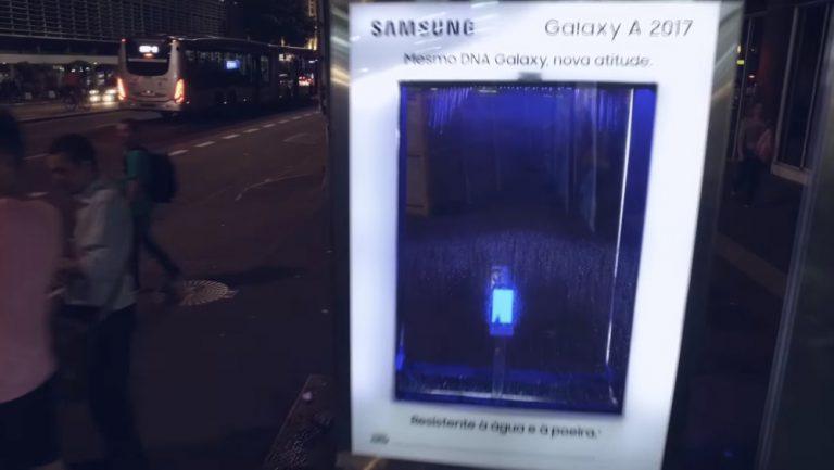 Ação inédita demonstra a resistência à água do novo smartphone Galaxy A